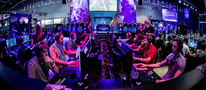 In the hands of the fans: LAN events and their role in the evolution ...